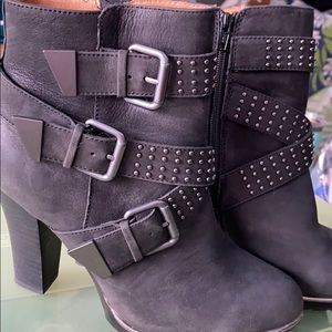 Sofft boots 6.5, black with studs